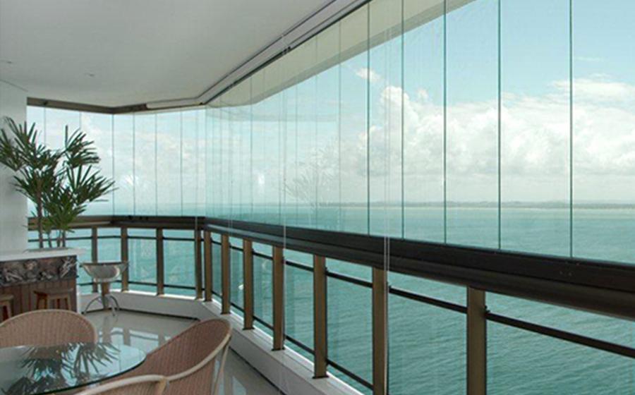Motivos para escolher cortinas de vidro em Lisboa