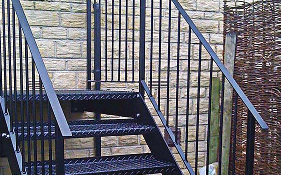 Instalar Escadas de Incêndio